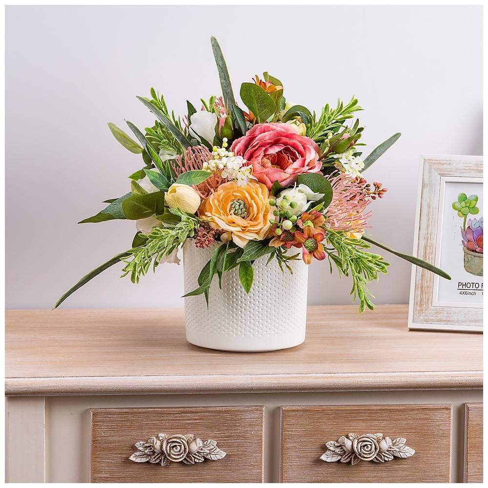 Искусственные цветы на открытку
